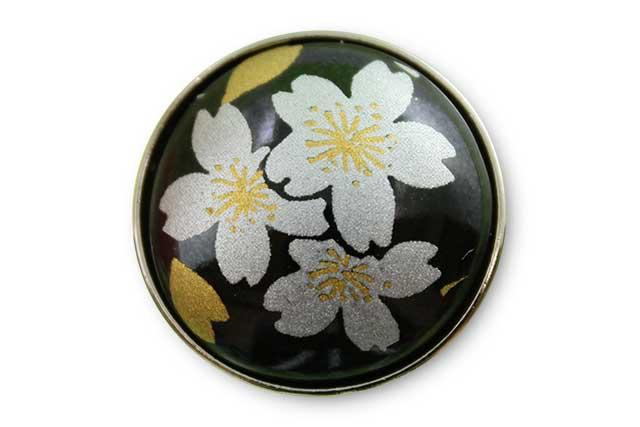 有田焼ボタン 黒銀桜