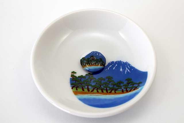 やきもの 焼き物 陶磁器 アクセサリー 小物雑貨 有田焼富士山お香立て 富士山松