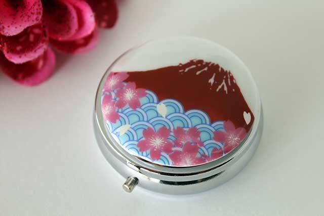 やきもの 焼き物 陶磁器 アクセサリー 小物雑貨 有田焼富士山ピルケース 赤富士桜