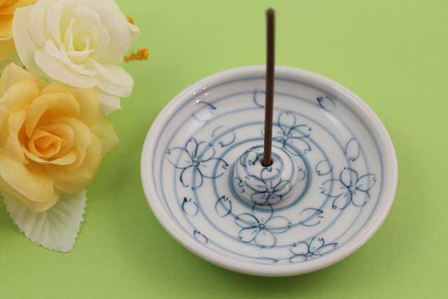 やきもの 焼き物 陶磁器 アクセサリー 小物雑貨 有田焼香立て 染付桜うず紋様