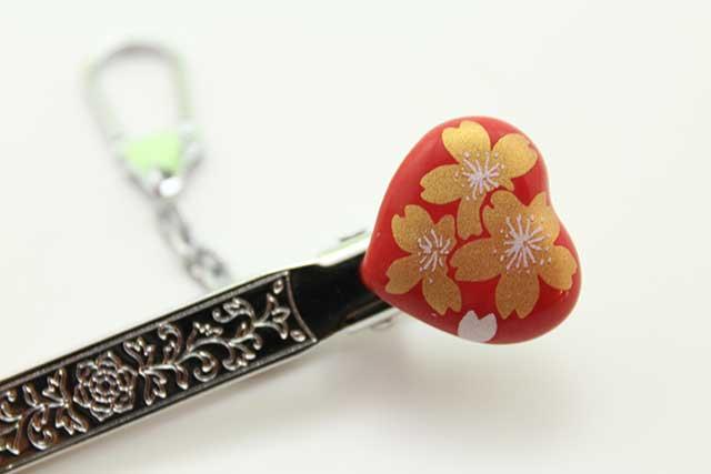 有田焼クリップ式キーホルダー ハート 赤金桜