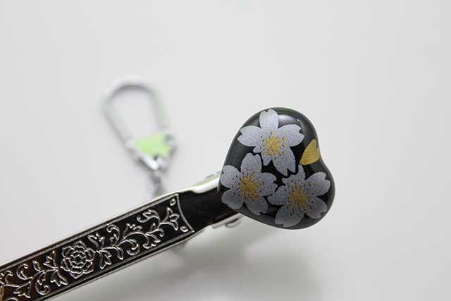 有田焼クリップ式キーホルダー ハート るり銀桜