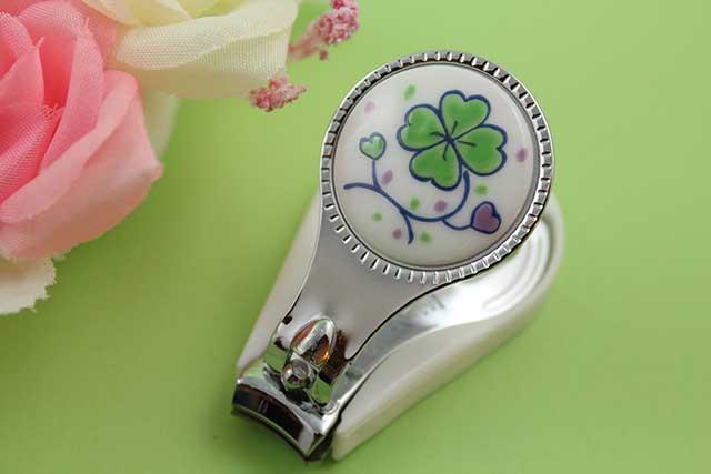 やきもの 焼き物 陶磁器 アクセサリー 小物雑貨 有田焼爪切り クローバー