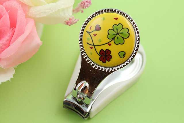 やきもの 焼き物 陶磁器 アクセサリー 小物雑貨 有田焼爪切り 黄クローバー