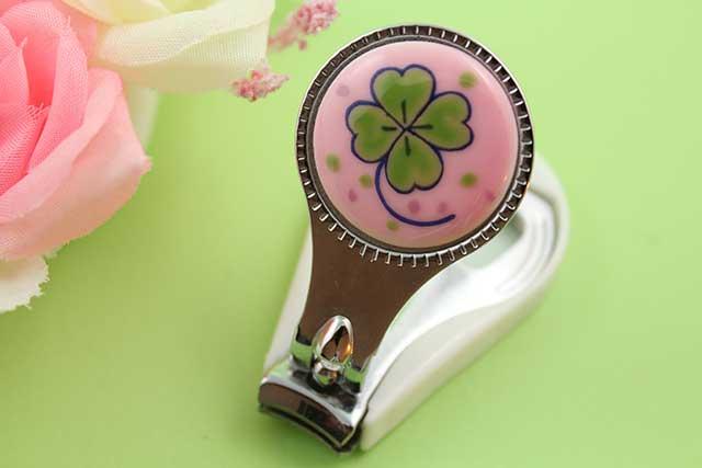 やきもの 焼き物 陶磁器 アクセサリー 小物雑貨 有田焼爪切り ピンククローバー