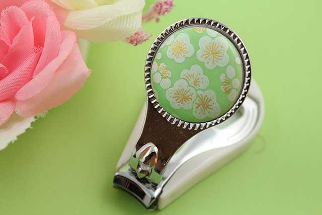 やきもの 焼き物 陶磁器 アクセサリー 小物雑貨 有田焼爪切り グリーン銀梅
