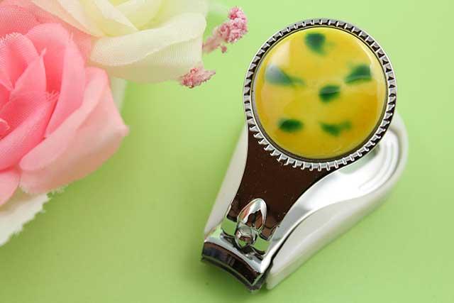 やきもの 焼き物 陶磁器 アクセサリー 小物雑貨 有田焼爪切り 黄グリーン