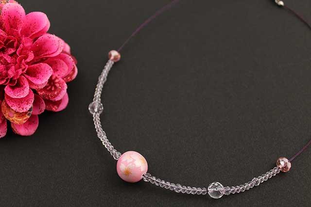 有田焼磁器玉天然石ペンダント(Arvo) ピンク銀彩桜水晶