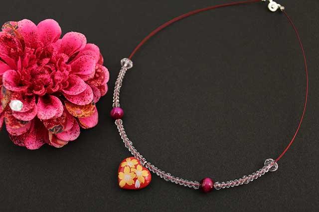 有田焼ハート天然石ペンダント(Arvo) 赤釉金彩桜紋様タイガーアイ