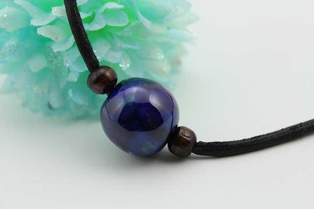 有田焼磁器玉皮紐ペンダント(フリー) 小  釉彩瑠璃ブルー