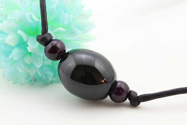 有田焼磁器玉皮紐ペンダント(フリー) 楕円  黒