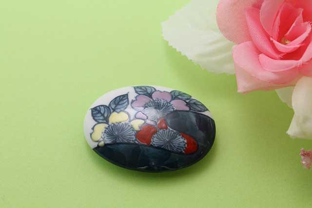 有田焼帯留 染錦岩桜 楕円型