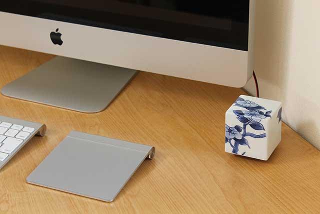 やきもの 焼き物 陶磁器 アクセサリー 小物雑貨 有田焼染付音箱 -OTOBAKO- 染付椿TUBAKI