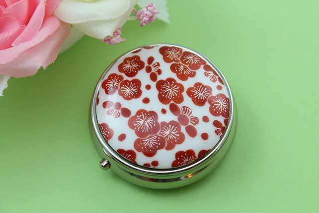 やきもの 焼き物 陶磁器 アクセサリー 小物雑貨 有田焼ピルケース 梅