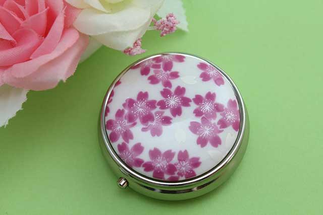 やきもの 焼き物 陶磁器 アクセサリー 小物雑貨 有田焼ピルケース 桜