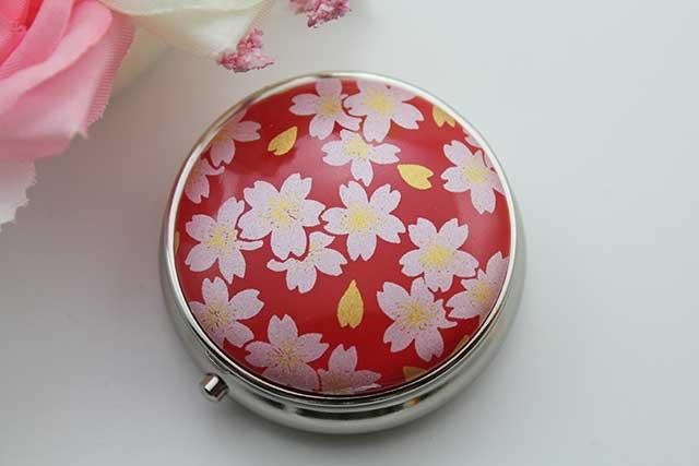 やきもの 焼き物 陶磁器 アクセサリー 小物雑貨 有田焼ピルケース 赤銀桜