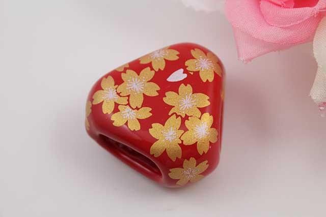 有田焼スカーフ留 赤金桜