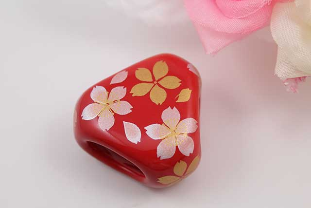 有田焼スカーフ留 赤桜吹雪