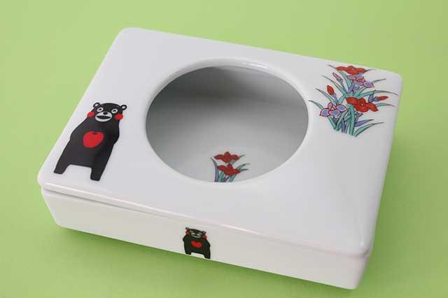 やきもの 焼き物 陶磁器 アクセサリー 小物雑貨 有田焼とくまモンのコラボ-ミニティッシュ くまモンリンゴアヤメ
